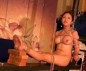 Beautiful chinese nude model..