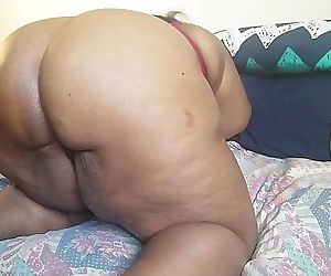 WATCH THIS EBONY MILF AS SHE..